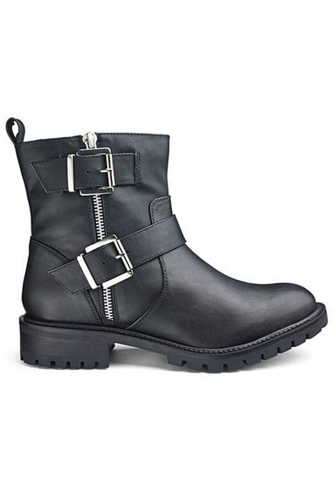 a5b3529fa8cd 43 black ankle boots you need - best women s ankle boots