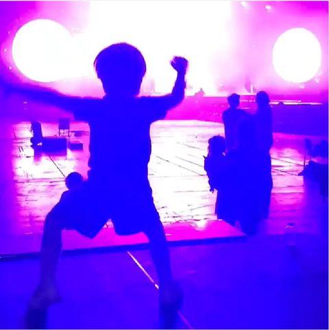 Blue, Light, Purple, Violet, Performance, Magenta, Neon, Silhouette, Performance art, Dancer,