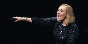 Adele durante un concierto en Seattle
