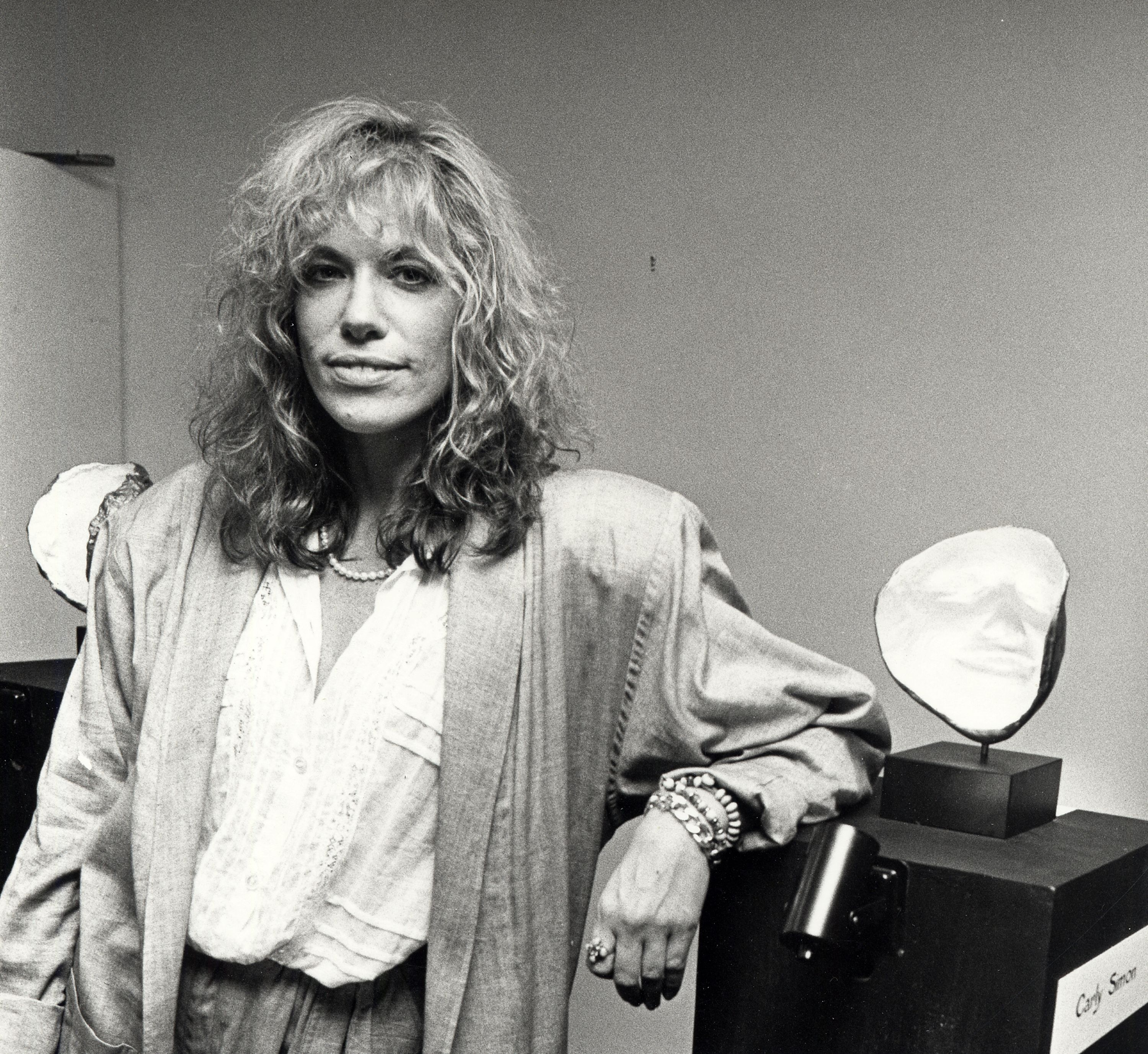 Carly Simon in 1986, a year before the release of her D-Core staple, Coming Around Again , which was a full-blown episode of thirtysomething .