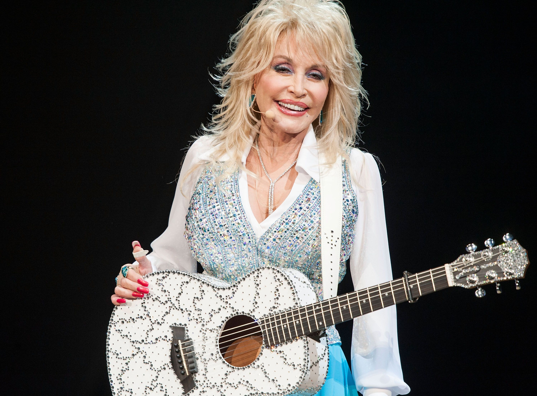 "Dolly Parton, Icon, Started a Viral ""LinkedIn, Facebook, Instagram, Tinder"" Meme"