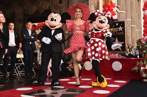 disney's minnie mouse celebrates her 90th anniversary with star on the hollywood walk of fame