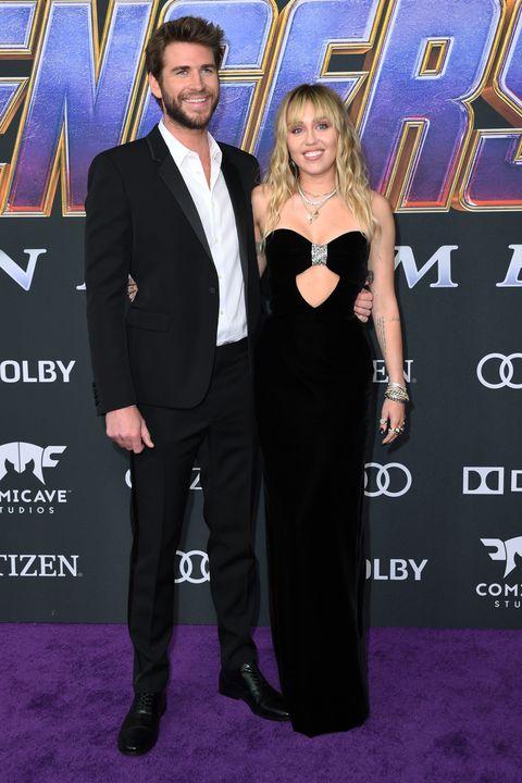 tampilannya yang berjanggut membuat adik dari Chris Hemsworth ini semakin terlihat menawan.