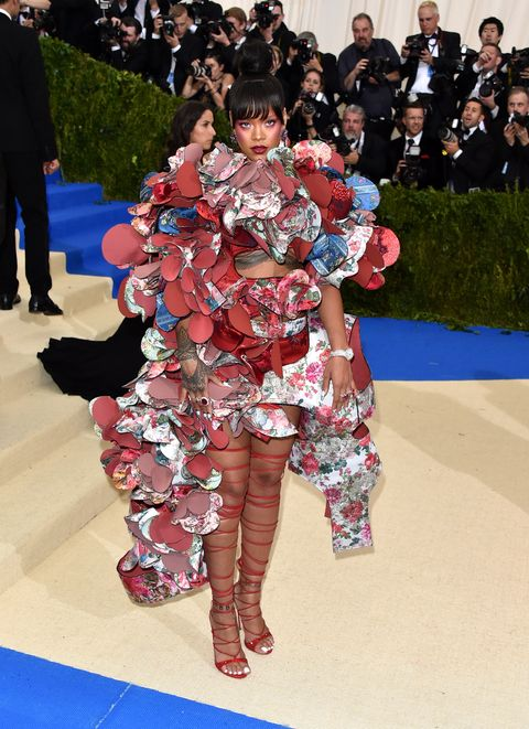 """rihanna wearing spectacular gown at the """"rei kawakubo comme des garcons art of the in between"""" costume institute gala"""
