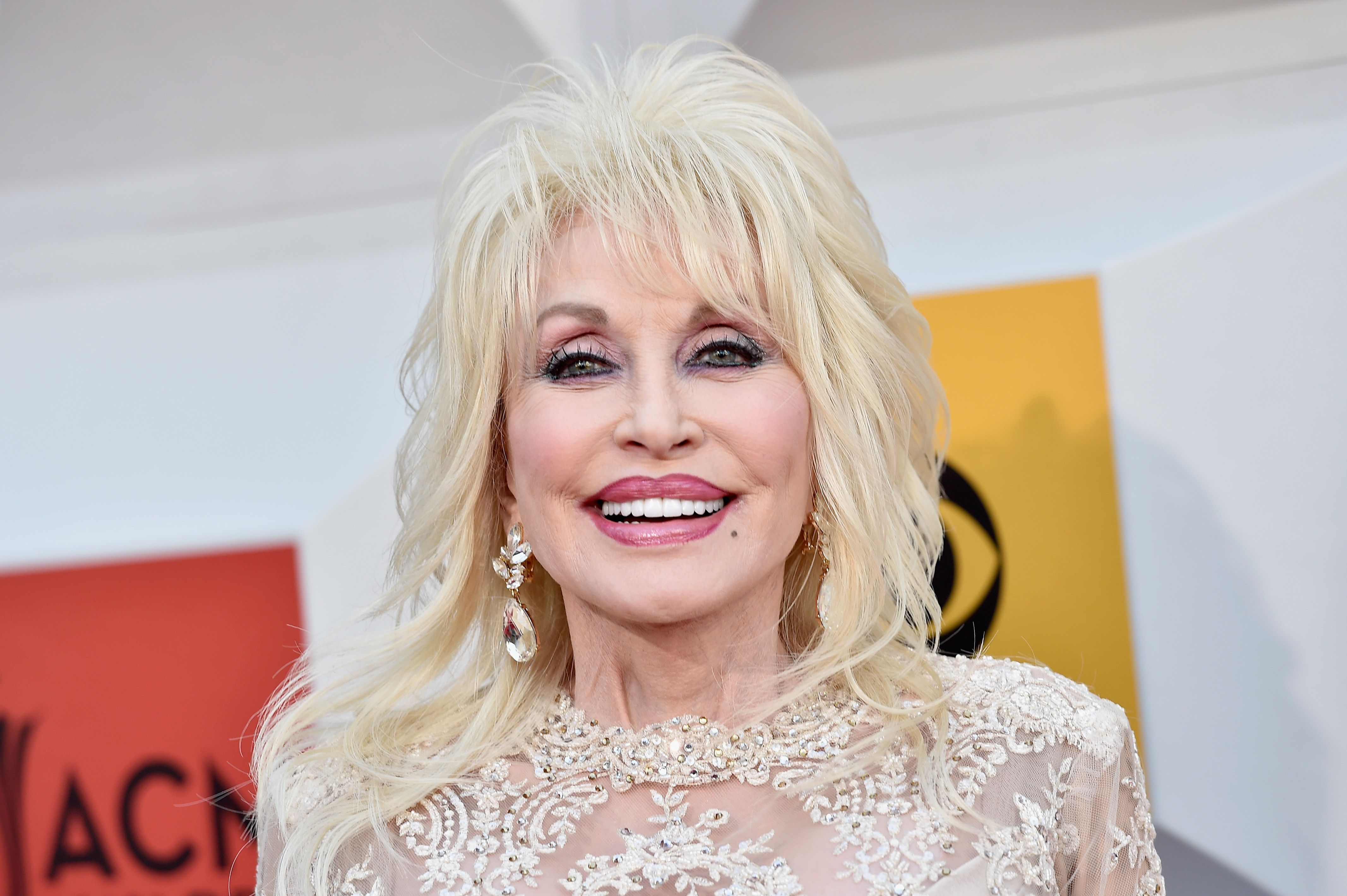Dolly Parton Reveals Why She Always Sleeps With Her Makeup On