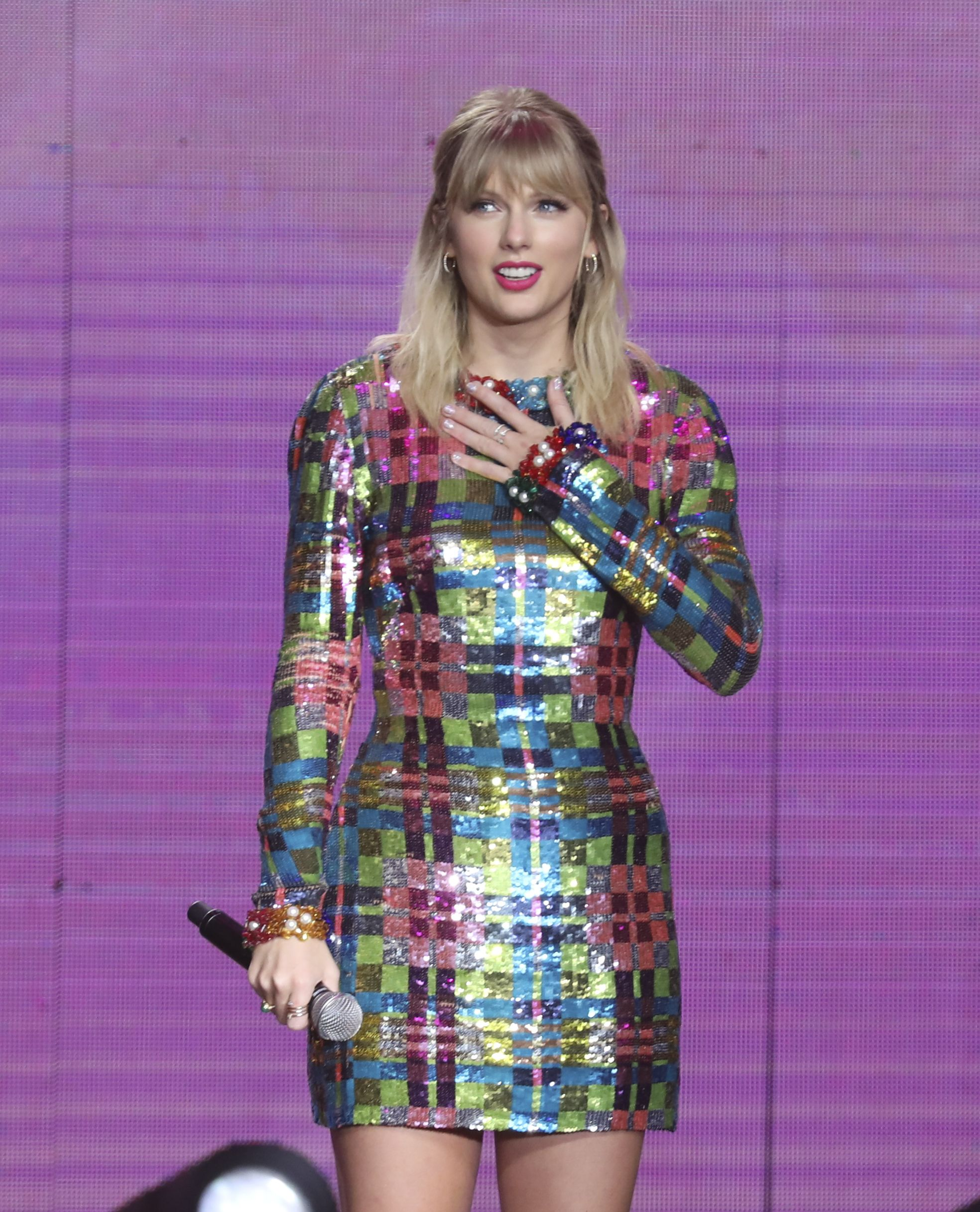 Taylor Swift Says Scooter Braun and Scott Borchetta Won't Allow Her to Perform Her Old Music on TV