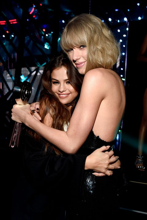 iheartradio music awards backstage