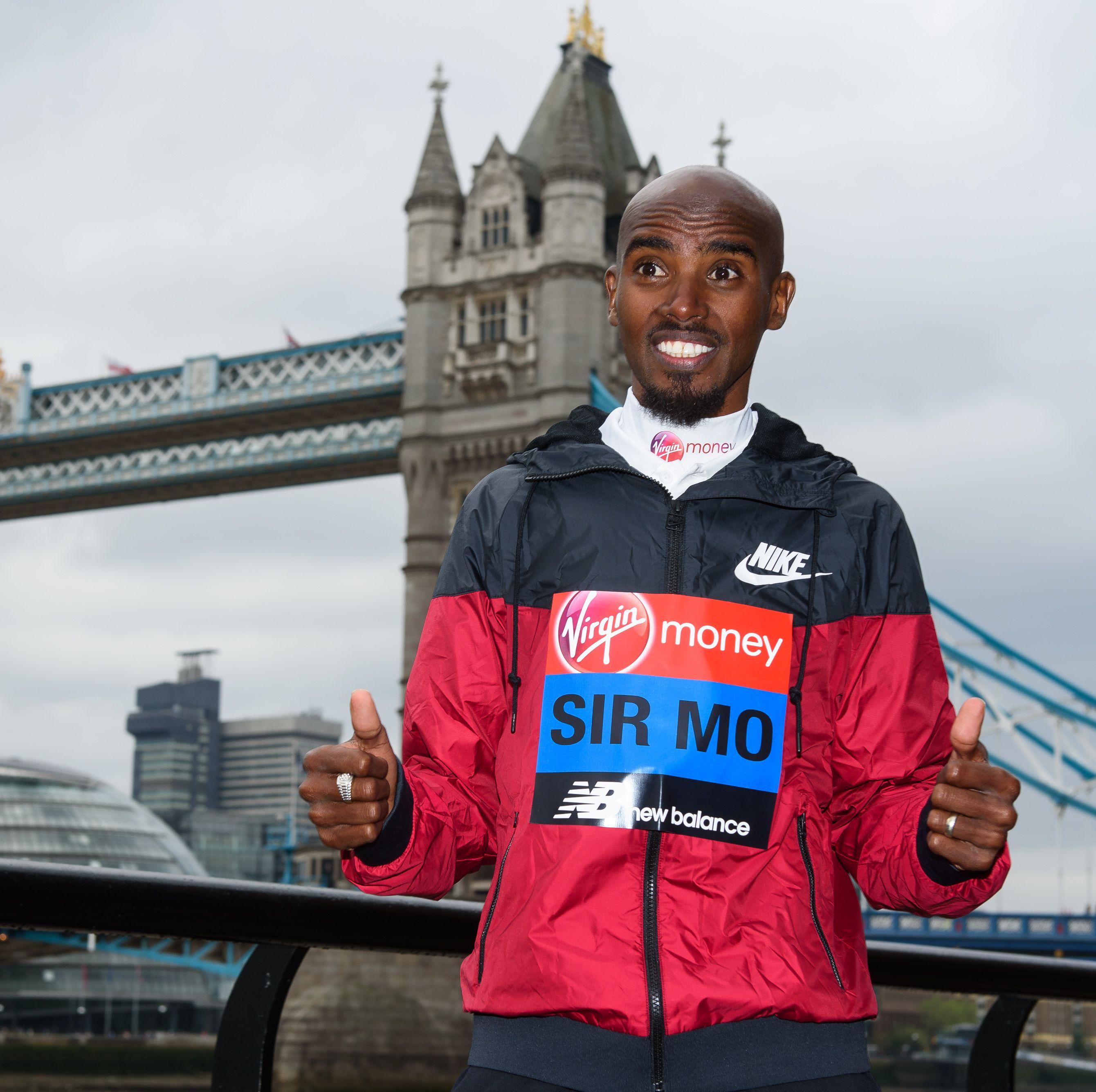 Mo Farah Runs on Treadmill Set at World-Record Pace, Falls Off Twice