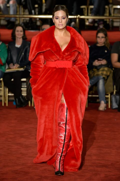 Red carpet, Red, Clothing, Fashion, Carpet, Fashion model, Flooring, Satin, Textile, Fashion design,