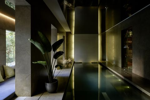Architecture, Interior design, Building, Lobby, Room, House, Floor, Ceiling, Glass, Flooring,