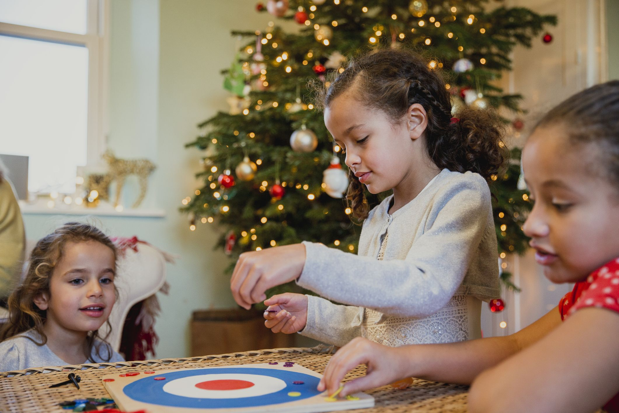 Family Christmas.30 Fun Christmas Games To Play With The Family Homemade