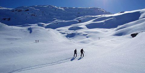Snow, Ski mountaineering, Piste, Glacial landform, Ski touring, Geological phenomenon, Winter sport, Mountainous landforms, Skiing, Mountain,