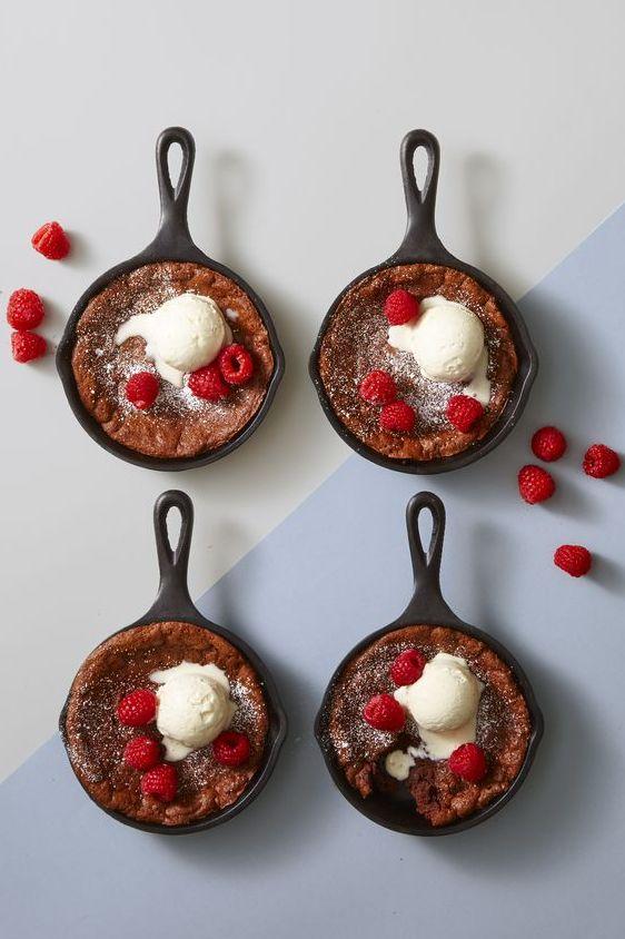 Molten Chocolate Skillet Brownies- Valentine's Day Desserts