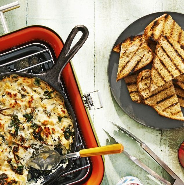 warm spinach artichoke dip with fire roasted bread