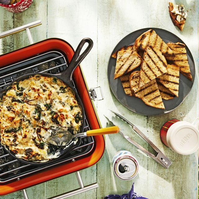 skillet spinach artichoke dip with fire roasted bread