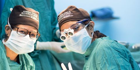 Medical procedure, Surgeon, Scrubs, Room, Medical, Physician, Service, Headgear, Hand, Operating theater,
