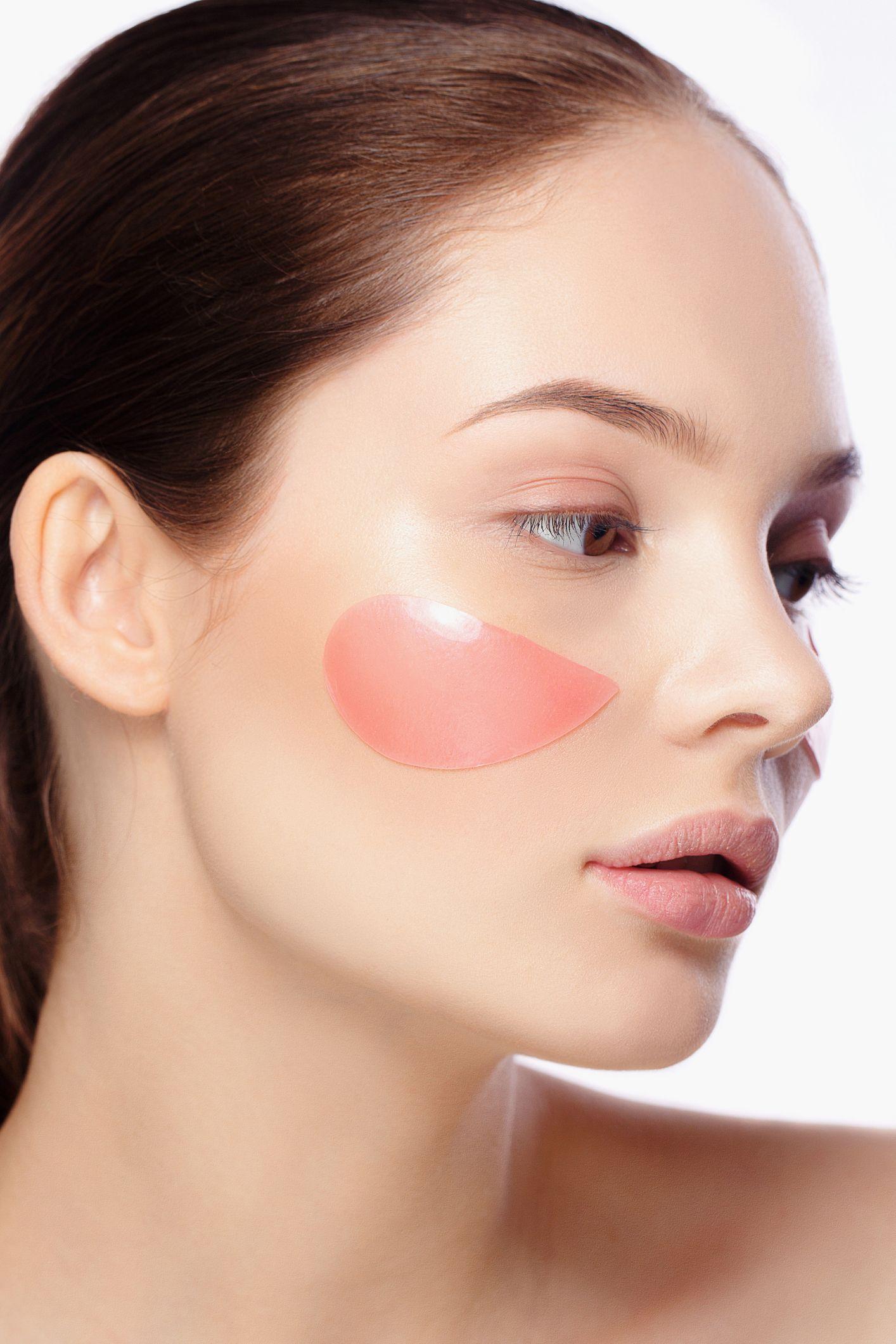 消す 方法 の 顔 赤み を ニキビ跡の赤みを早く治す方法