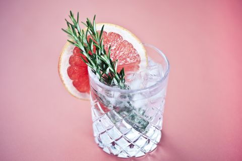 Gin and tonic with a slice of pink grapefruit
