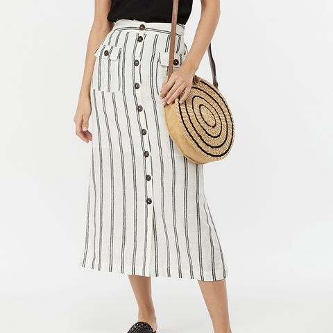 holiday capsule wardrobe: skirt