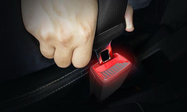 skoda cinturón iluminado
