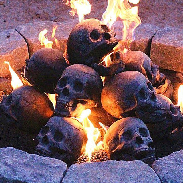 skull fire logs halloween campfire