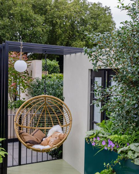 sky sanctuary designed by michael coley balcony garden rhs chelsea flower show 2021 stand no 282b