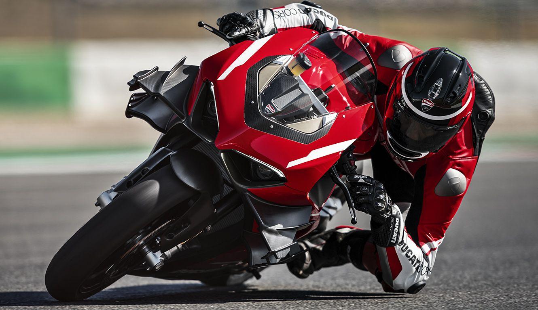 The 234-HP Ducati Superleggera V4 Is Two Wheels of Carbon-Fiber Insanity