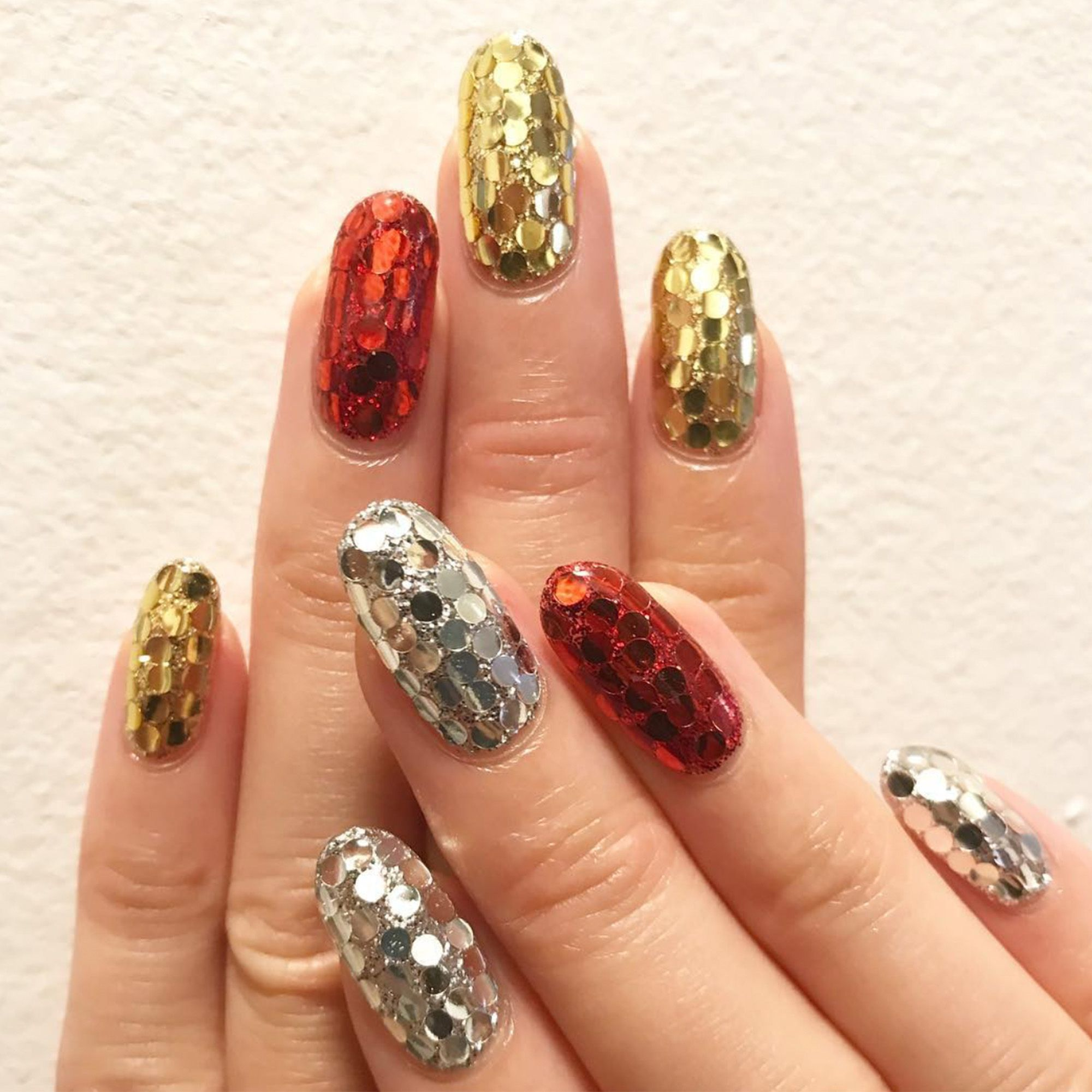 21 Glitter Nail Art Designs Sparkly Ideas For Chic Glitter Manicures