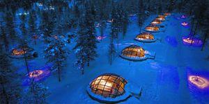 In het Kakslauttanen Arctic Resort in Finland slaap je in een glazen iglo