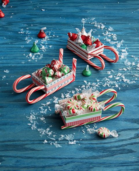 candy cane sleds made with ribbon and jewelry boxes