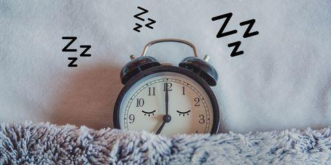 Clock, Alarm clock, Home accessories, Font, Interior design, Quartz clock, Wall clock,