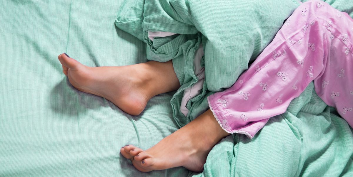 How to Go to Sleep Fast, According to Sleep Specialists