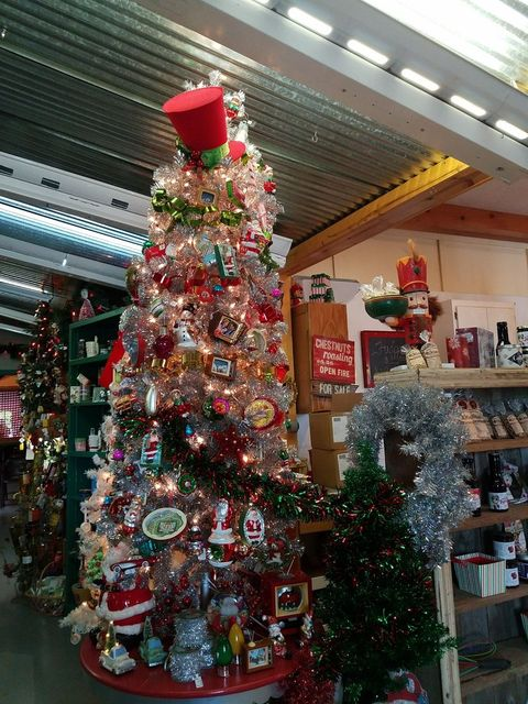 The Best Holiday Decor Stores In The U S Top Holiday Decor Stores