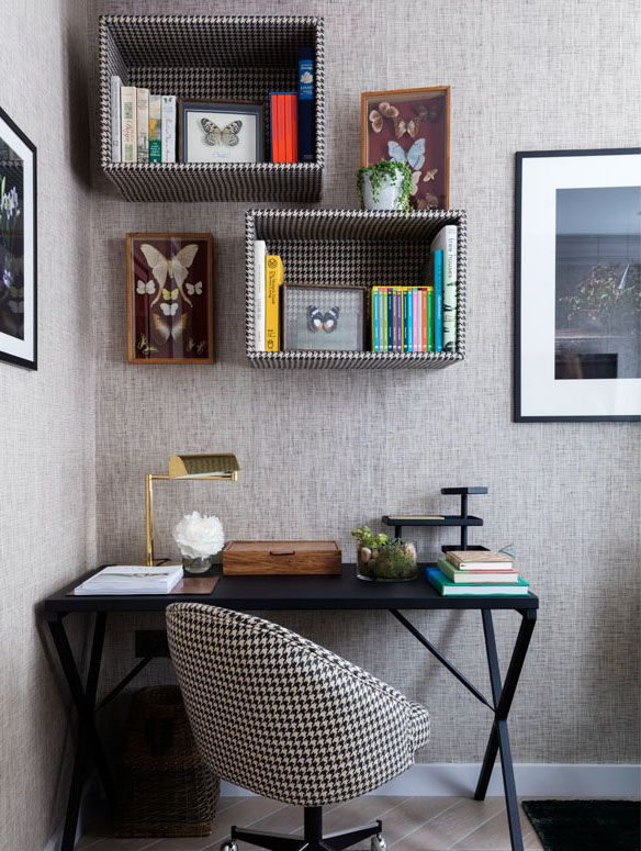 Brilliant Decorating Ideas to Spruce Up Your Bookshelves