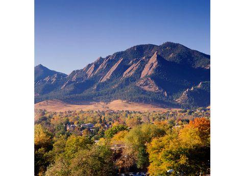 Nature, Mountainous landforms, Natural landscape, Hill, Highland, Mountain range, Landscape, Leaf, Slope, Mountain,
