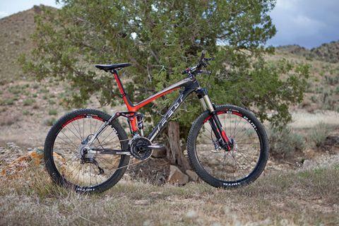 Bicycle tire, Bicycle frame, Tire, Bicycle wheel rim, Bicycle wheel, Bicycle fork, Bicycle handlebar, Bicycle part, Spoke, Bicycle stem,