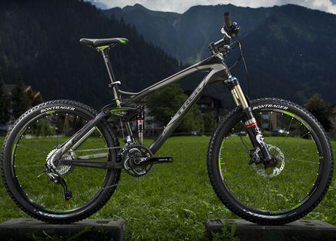 Bicycle tire, Tire, Bicycle frame, Bicycle wheel, Wheel, Bicycle fork, Bicycle wheel rim, Bicycle part, Bicycle handlebar, Bicycle stem,