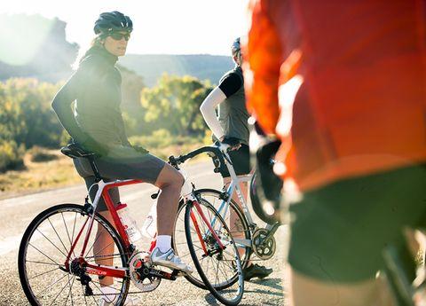 Tire, Bicycle tire, Wheel, Bicycle wheel, Bicycle frame, Bicycle wheel rim, Bicycle handlebar, Bicycle fork, Bicycle part, Bicycle,