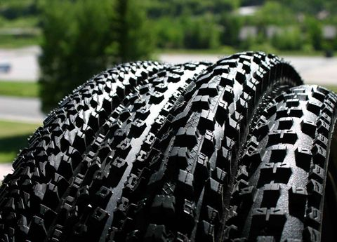 Pattern, Synthetic rubber, Automotive tire, Black, Tread, Bicycle tire, Carbon, Tire care,