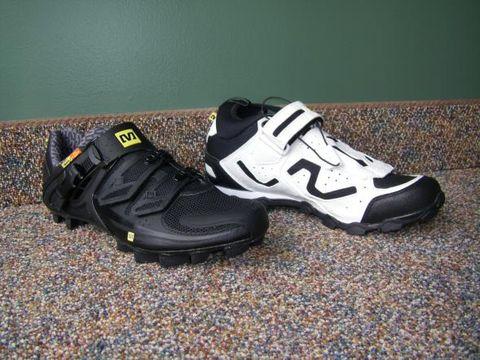 Footwear, Product, Shoe, Athletic shoe, Sportswear, White, Logo, Carmine, Black, Sneakers,
