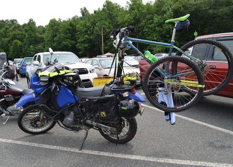 Wheel, Tire, Motor vehicle, Motorcycle, Mode of transport, Bicycle tire, Land vehicle, Vehicle, Bicycle wheel rim, Rim,