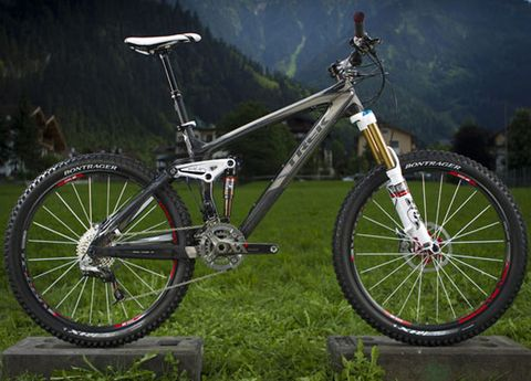 Bicycle tire, Bicycle frame, Tire, Bicycle wheel rim, Bicycle fork, Wheel, Bicycle wheel, Bicycle part, Bicycle stem, Crankset,