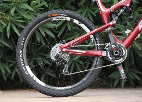 Tire, Wheel, Bicycle wheel rim, Bicycle tire, Spoke, Rim, Crankset, Bicycle frame, Bicycle drivetrain part, Bicycle chain,