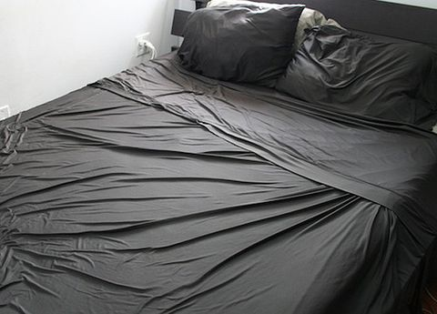 Bed, Bedding, Property, Bed sheet, Textile, Room, Bedroom, Linens, Style, Black,