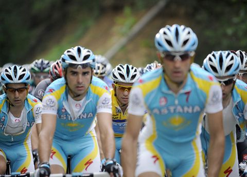 Clothing, Eyewear, Helmet, Vision care, Bicycles--Equipment and supplies, Personal protective equipment, Bicycle helmet, Sportswear, Social group, Bicycle jersey,