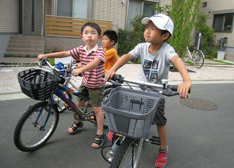 Wheel, Bicycle tire, Tire, Bicycle wheel, Bicycle part, Bicycle wheel rim, Bicycle frame, Bicycle accessory, Bicycle, Bicycle handlebar,