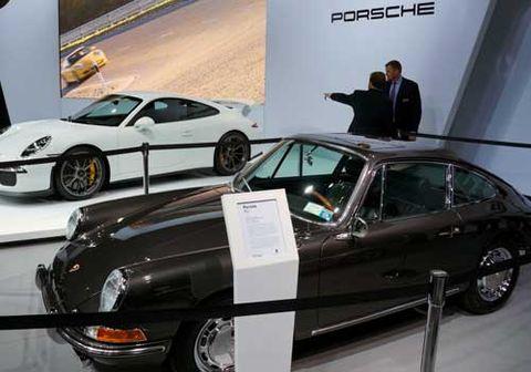 1-Porsche.jpg