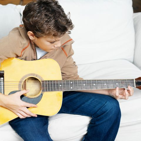 10 Reasons to Play Guitar