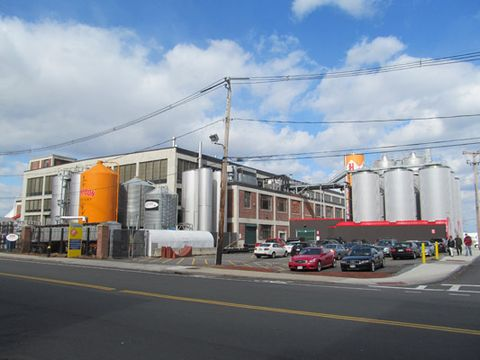 Harpoon_Brewery,_Boston_MA.jpg