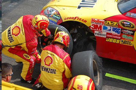 NASCAR-Harvick-450x300-S.jpg